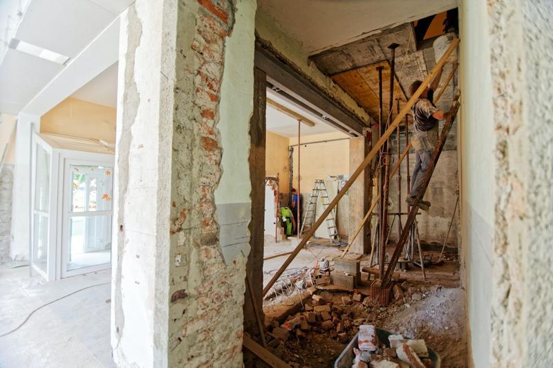 7 krokov k hladkému priebehu rekonštrukcie vášho domu