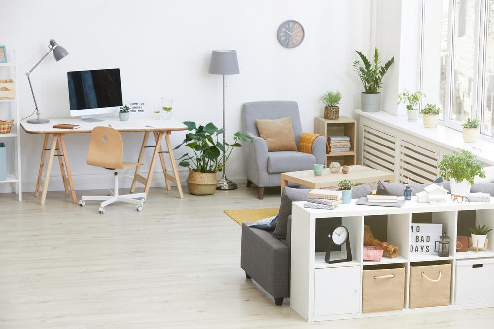 Ako nájsť vhodné interiérové zariadenie do spojeného priestoru v obývačke?